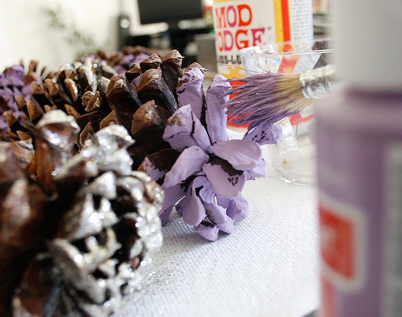Holiday DIY: Pinecone Garland | Ty Pennington