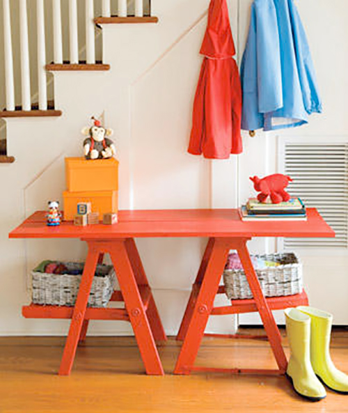 Repurpose an old ladder for entryway storage | Ty Pennington