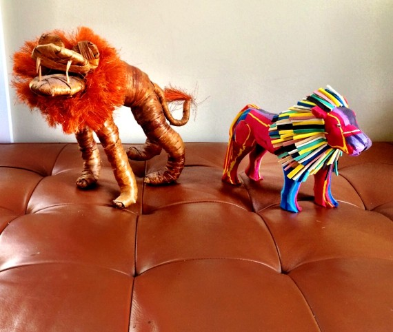 Lion made of straw and old flip flops | Spring Cleaning: How To Host a Raffle Party