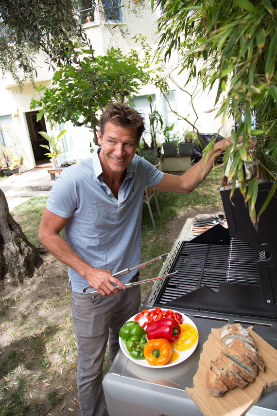 How To Clean Your Outdoor Grill tips by Ty Pennington