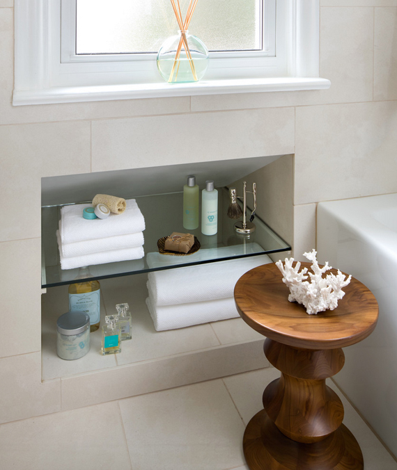 Mix of storage space | 5 elements of an inviting bathroom by Ty Pennington