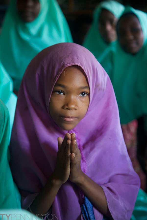 School pray | Ty Pennington's Tanzanian Dream